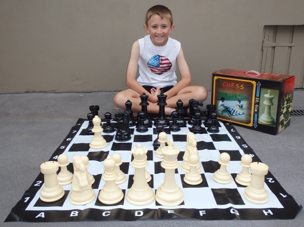 This is the product image for Garden Chess Set 20.6cm King. Detail: GARDEN. Product ID: GCS8.